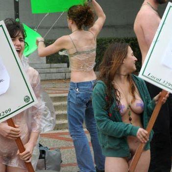 demo telanjang @ berkeley